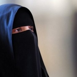 سعودية تفوز بجائزة «تيسا باركينز» البريطانية