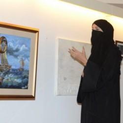 سعودية تشكيلية طافت لوحاتها العالم!