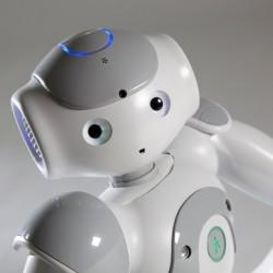 روبوت يمكن المعاقين من الحركة بصوره طبيعية