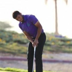 سعودي يخطف جائزة «أطول ضربة للحفرة»