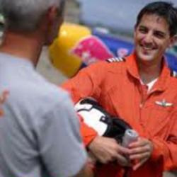 """أول طيار سعودي في سباقات """"ريد بل"""" الجوية العالمية"""