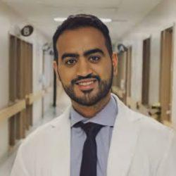 باحث سعودي و ابنه ضمن فريق بحثي يقدم دراسة حول تأثيرات كورونا النفسية ومنع تأثيراتها