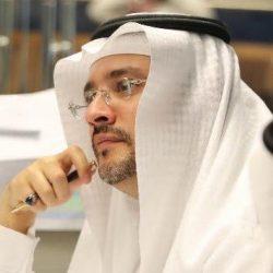 دكتور سعودي يحلل تأثير التحميل المعرفي بعقل الإنسان من وقع الأقدام
