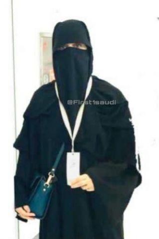 معلمة لمرحلة الابتدائية تفوز بجائزة خليفة التربوية بالوطن العربي
